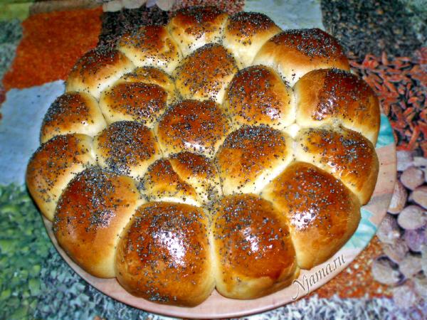 Пирог из булочек с ветчиной и сыром