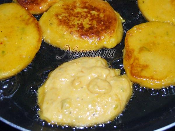Тыквенные оладушки с сыром