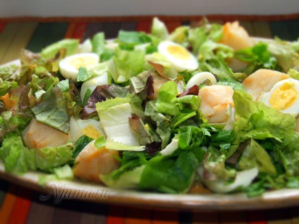 Салат с гребешками и цикорием