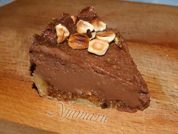 Шоколадный тарт с фундуком и медом
